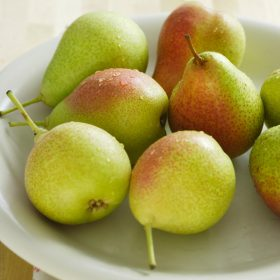 how to select and store pears