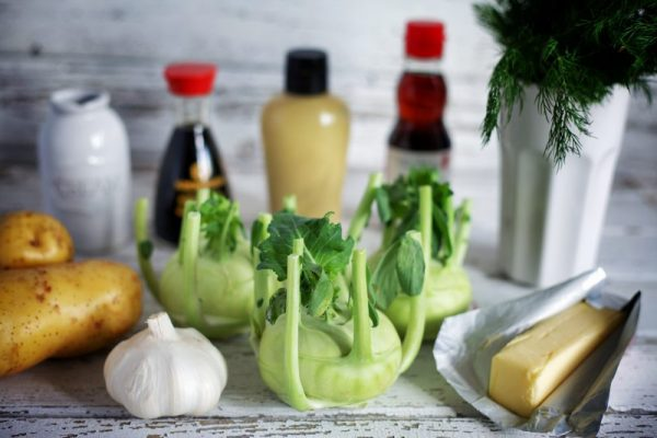 What ingredients go well with kohlrabi