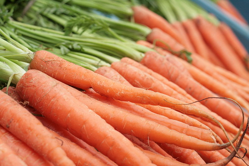 How To Select and Store Carrots