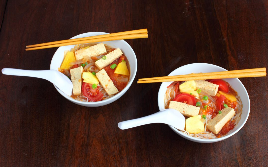 Vietnamese Tamarind Pineapple Soup – Canh Chua