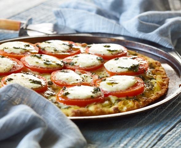 Tomato Caprese Flatbread.jpg