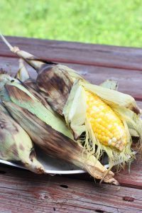 grilled-corn-peeled