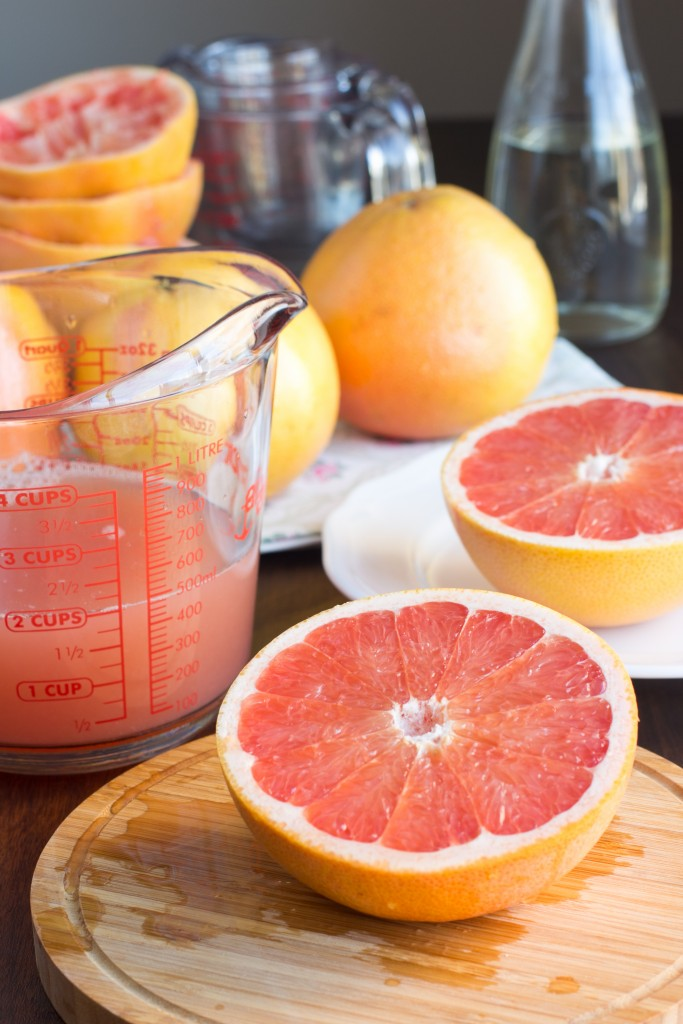red-grapefruit-cut