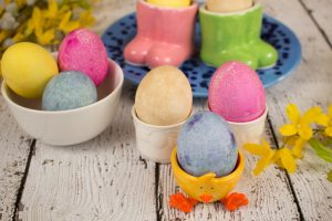 Naturally-Dyed-Easter-Eggs-Hero