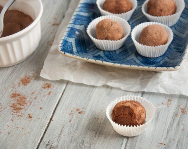 Avocado-Chocolate-Truffles-66-640x510