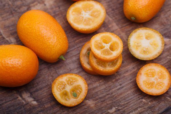 kumquat-on-wood-ss