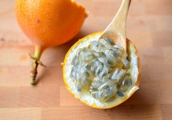 passionfruit-prep