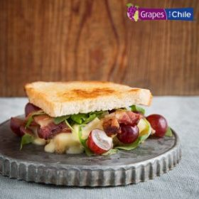 Sandwich Melts with Grapes from Chile