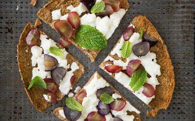 Grape and Goat Cheese Pita Pizza
