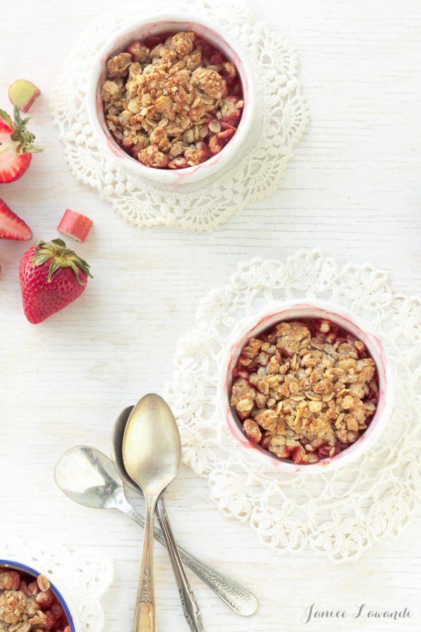 Honey-Kissed Strawberry Rhubarb Crumble