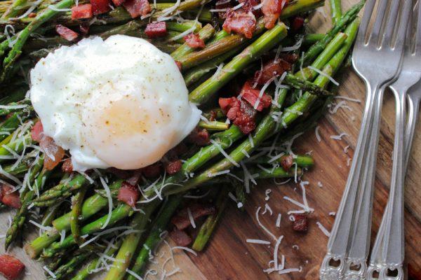 Pan-Asparagus-Perfect-Poached-Eggs_SheEats