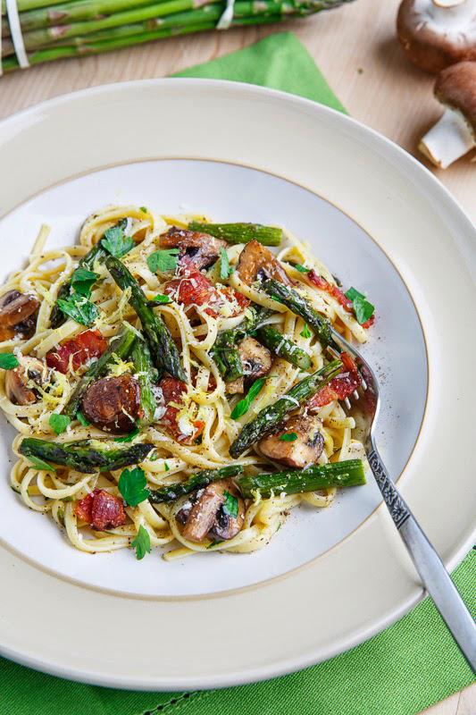 Roast-Asparagus-and-Mushroom-Carbonara_ClosetCooking
