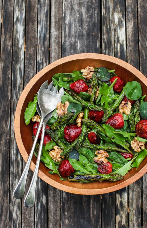 Spinach-Asparagus-Salad-with-Strawberries_SimpleBites