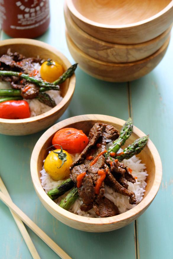Steak-and-Asparagus-Bibimbap_DinnerWithJulie