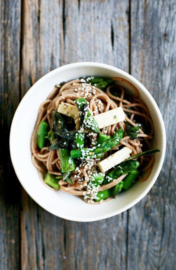 miso-orange-noodle-salad-with-asparagus_YummyBeet