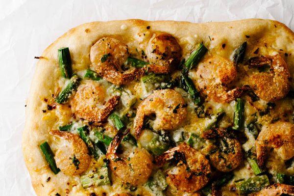 shrimp-asparagus-pizza_IAmAFoodBlog