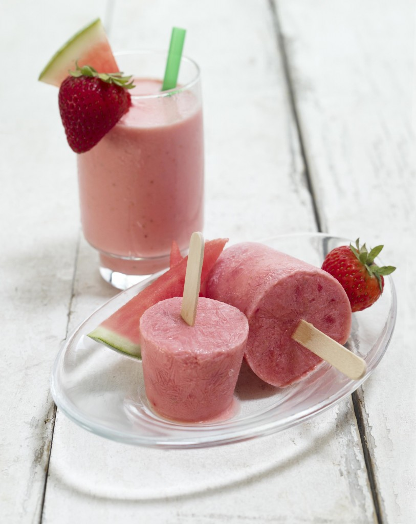 Watermelon-Strawberry-Shake-and-Frozen-Smoothie-Pops-1-813x1024