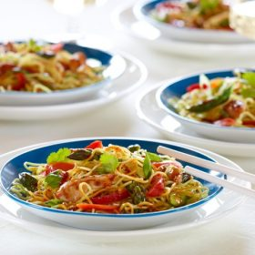 Garlic Chili Noodles with Asparagus