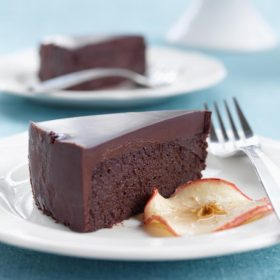 La Pomme Noire - Dark Chocolate Apple Cake