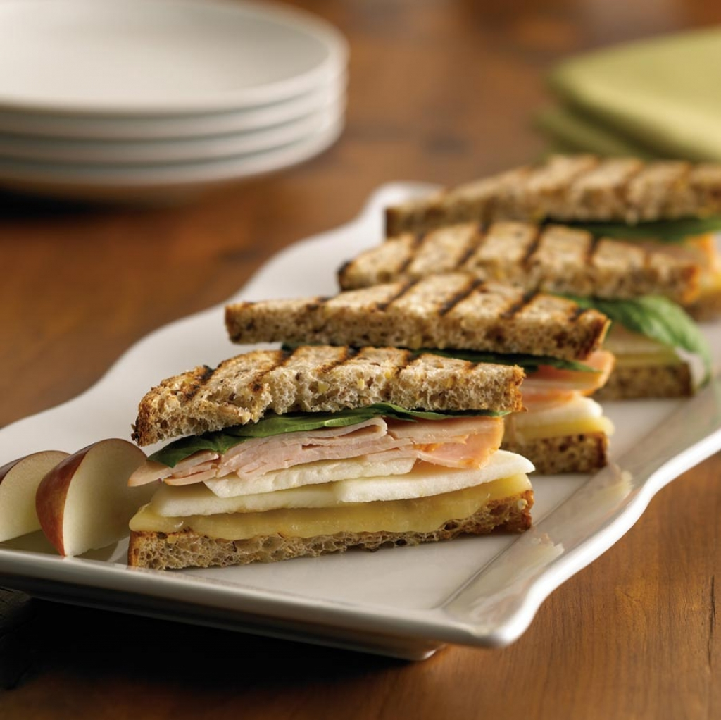 Turkey Apple Cheddar Sandwich Recipe: Ontario Apple, Aged Cheddar, And Smoked Turkey Panini