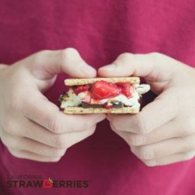 Roasted Strawberry Smores