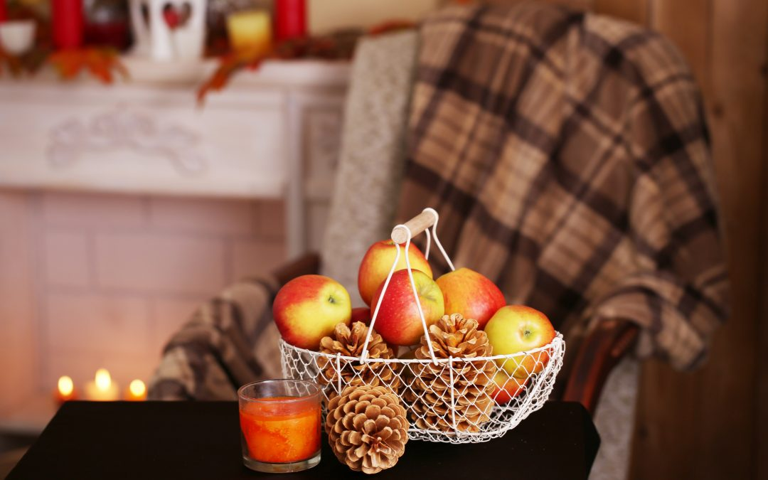 DIY Ways to Decorate With Apples for the Fall