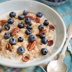 Creamy Oatmeal with Chilean Blueberries