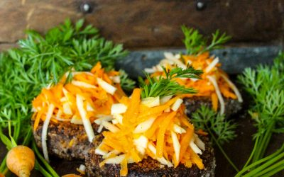 Savoury Carrot and Black Bean Burgers
