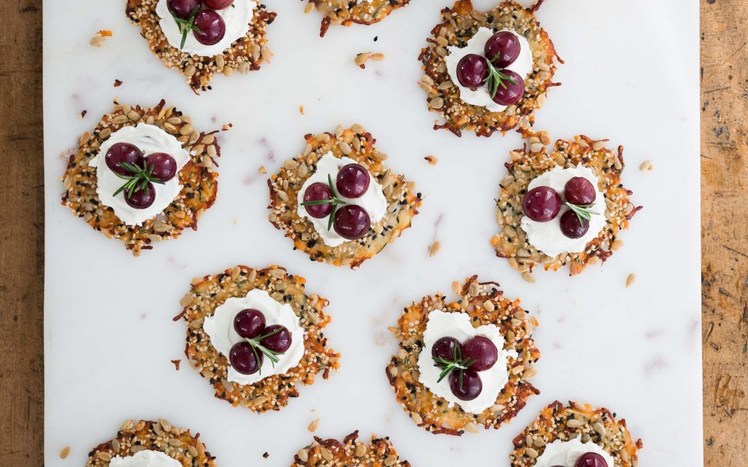 Grapes on Seedy Crackers